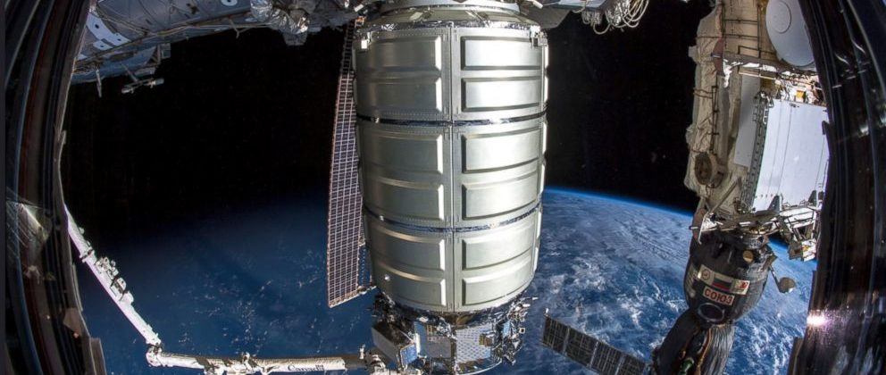 Space station gets 2 cargo deliveries in record 15 hours